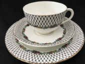 CAREWORN H J Colclough tea trio